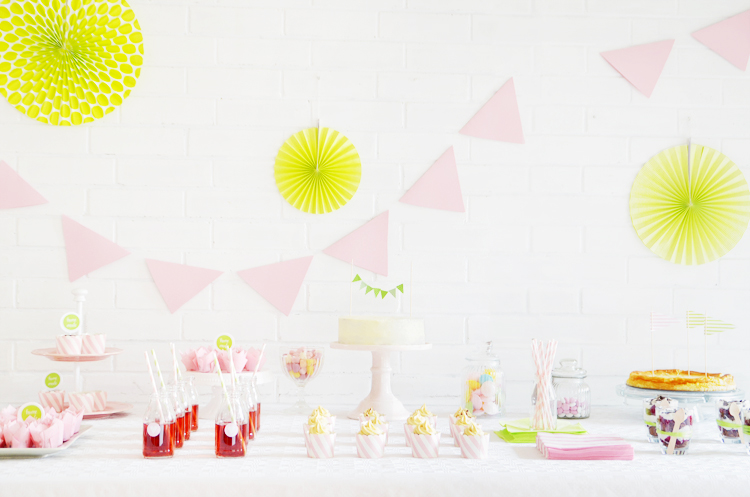 sweet-table-idee-vorlage-inspiration-aufbau-frühling-hell-pastell-grün-rosa-Kopie