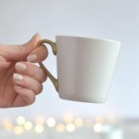 Alte-Tassen-aufhübschen-Tassen-anmalen-Geschirr-Upcycling-do-it-yourself