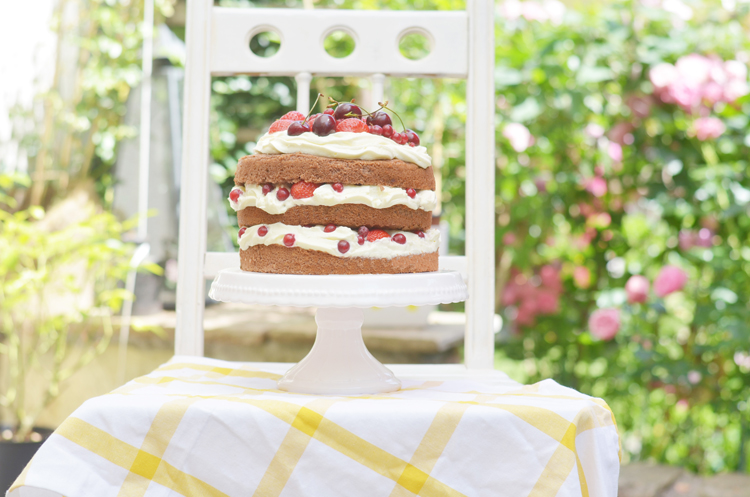 naked-cake-mit-beeren