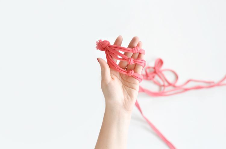 Blumenampel aus Jersey-Garn selber machen