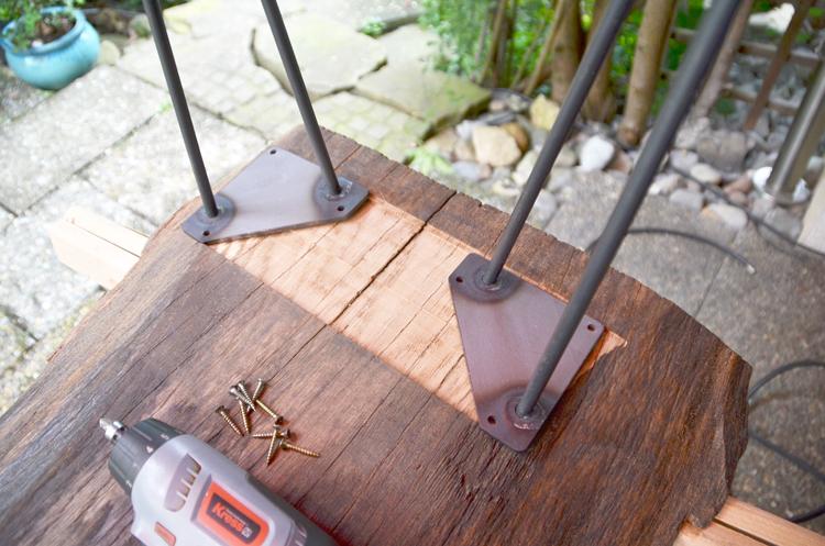 couchtisch-aus-holzplatte-bauen