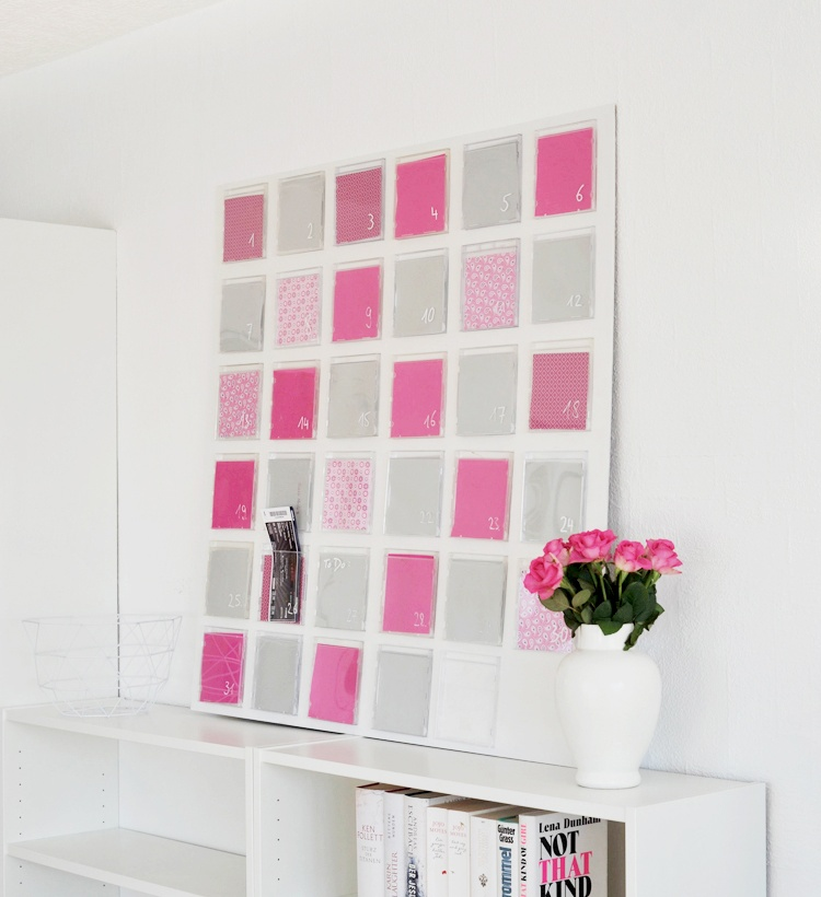 diy wandkalender aus cd h llen in zwei varianten. Black Bedroom Furniture Sets. Home Design Ideas
