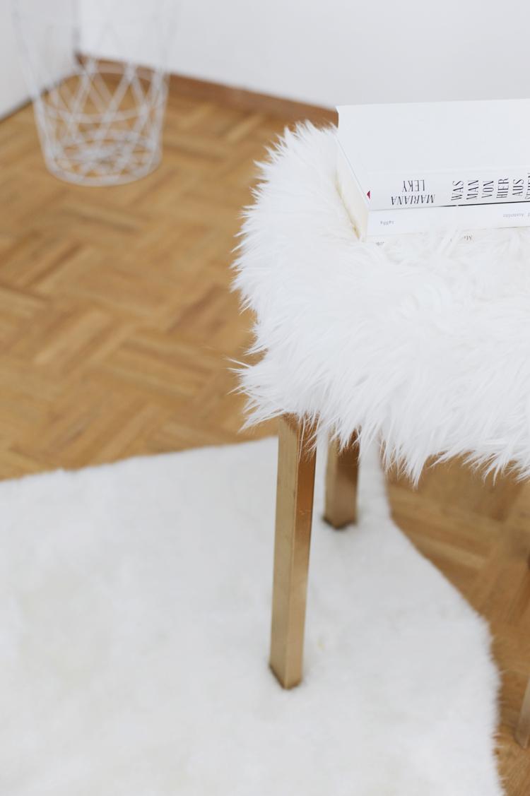 Guenstige Moebel Selber Bauen Der DIY Fellhocker Ikea Hack