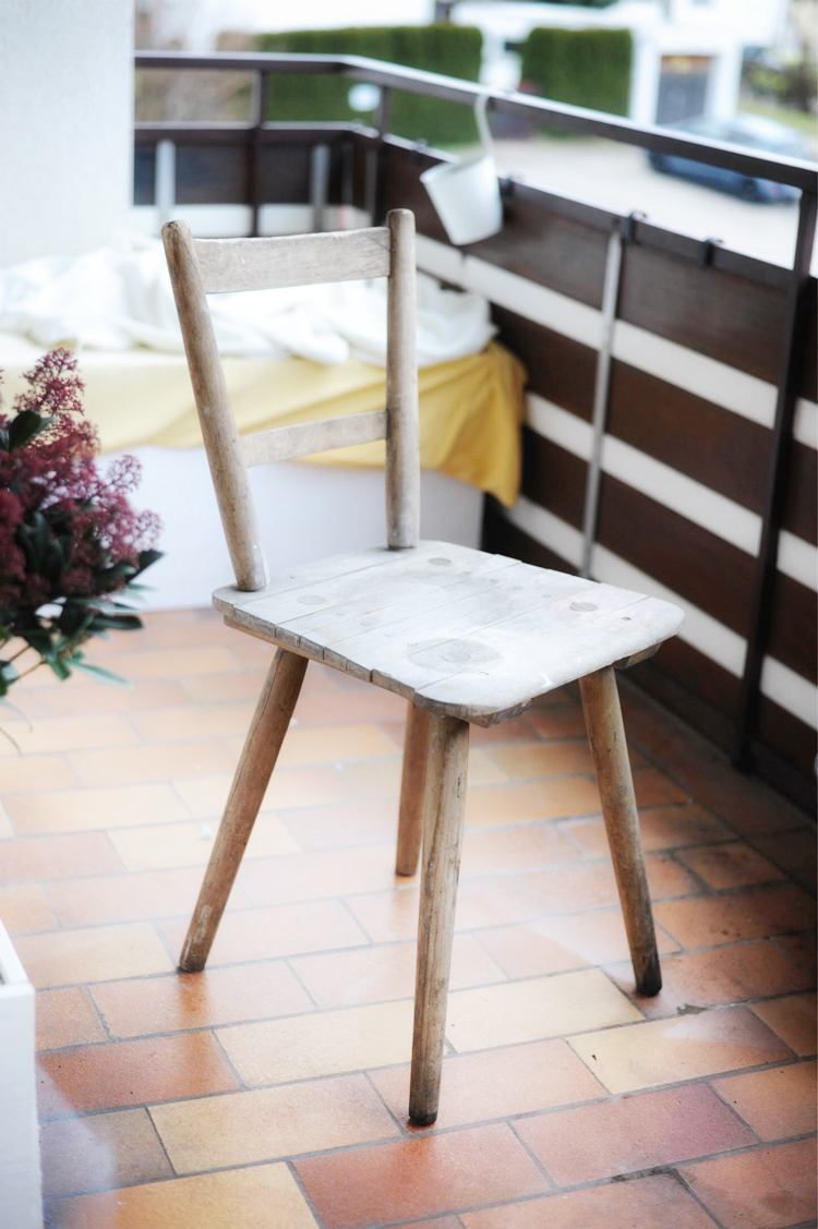 Einen alten Holzstuhl mit den Pintor Kreativmarkern verschönern