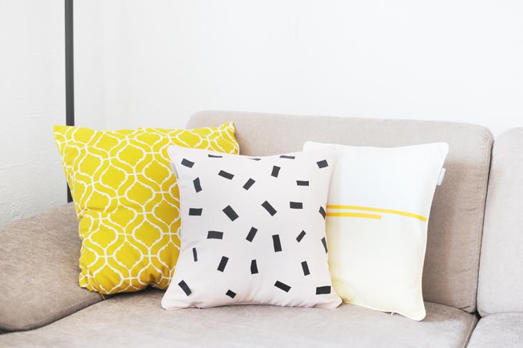 diy kissen selbermachen faerben textilfolie textilfarbe kissen selber machen8 bonny und kleid. Black Bedroom Furniture Sets. Home Design Ideas