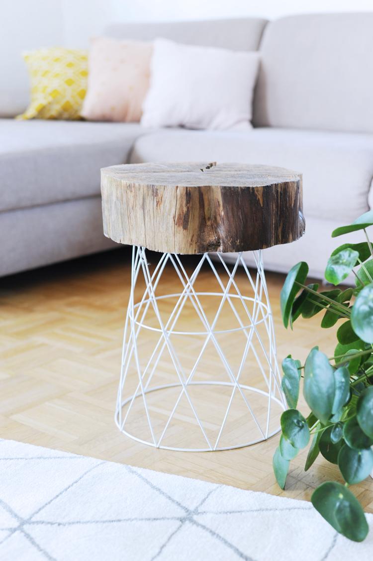 aus drahtkorb und holzscheibe einen beistelltisch bauen bonny und kleid. Black Bedroom Furniture Sets. Home Design Ideas