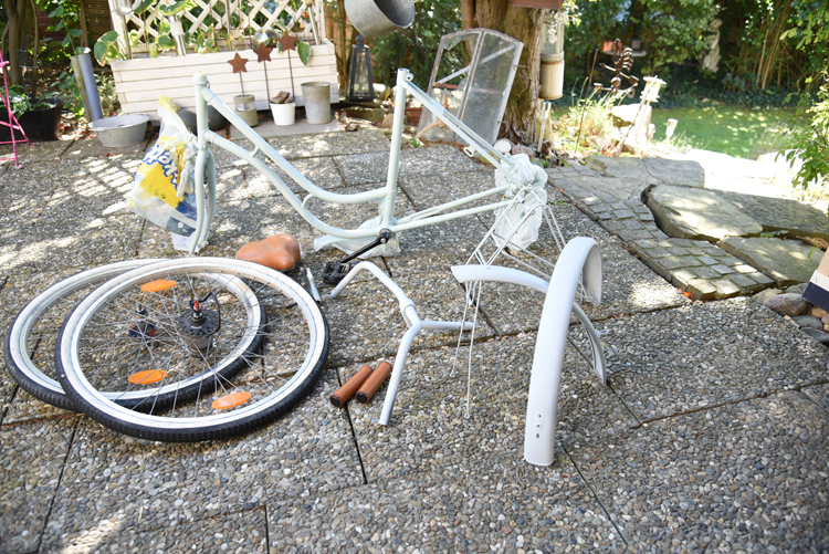 upcycling projekt ein altes fahrrad neu lackieren obsigen. Black Bedroom Furniture Sets. Home Design Ideas