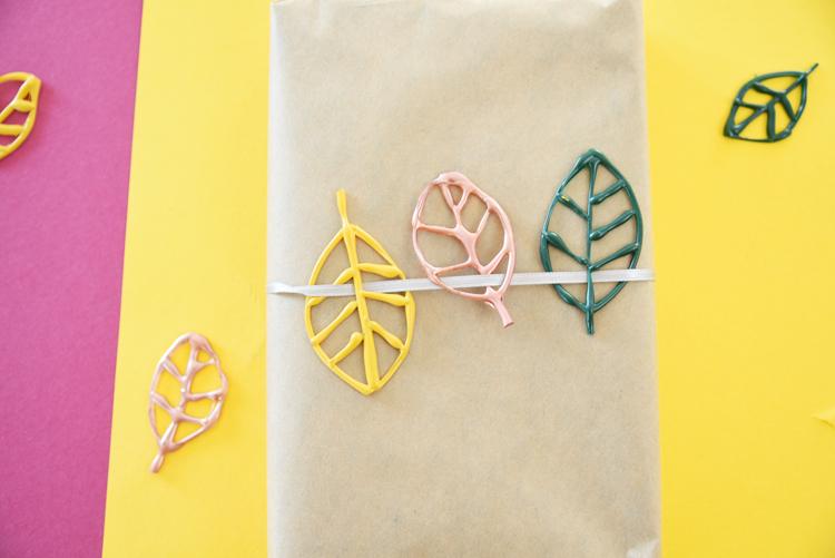 10d44965960 Fünf kreative Ideen zum Basteln mit Heißkleber – Bonny und Kleid