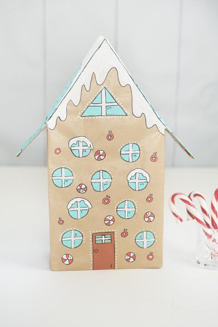 DIY-Adventskalender aus Klopapierrollen basteln
